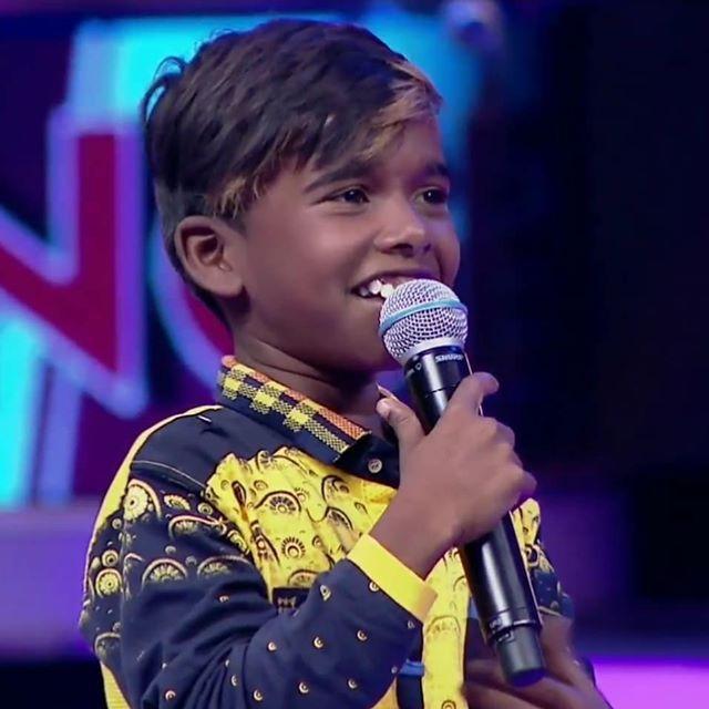Poovaiyar Super Singer